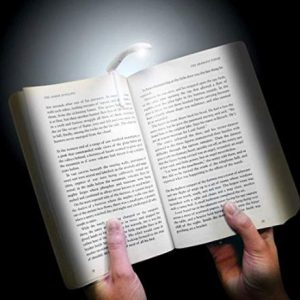 Reading-Light-to-gift-Book-Reader-Men